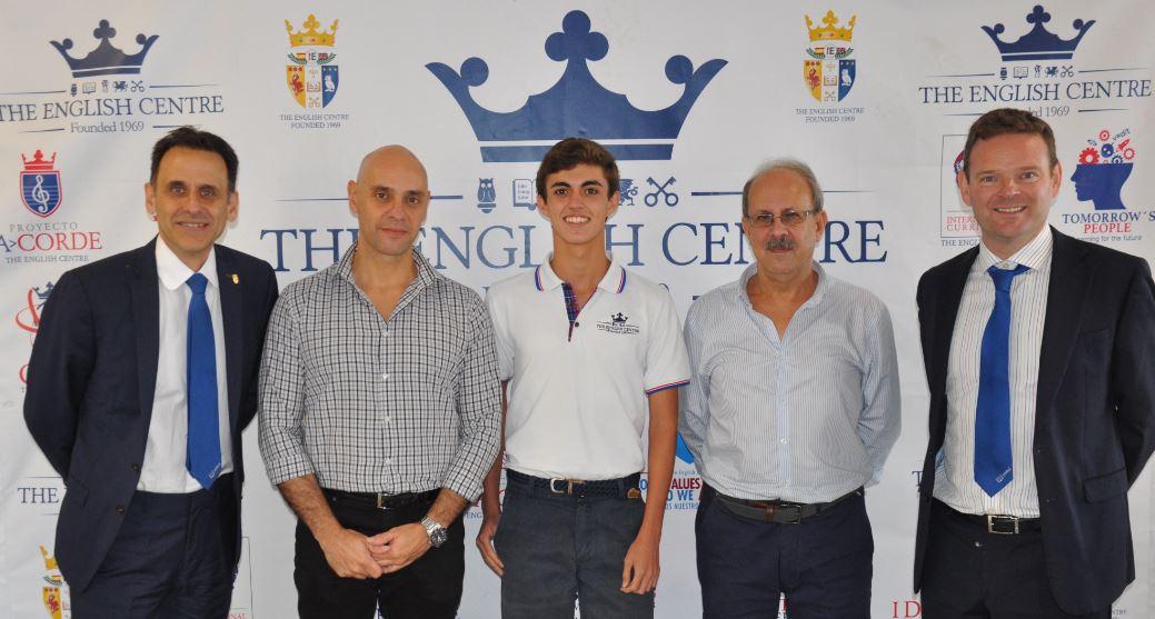 Javier, uno de los cinco españoles representantes de España en el 5º International Youth Scientific Congress Forum